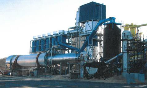 The hot gas generator is equipped with a steel combustion chamber and is suitable for heating huge process air flows